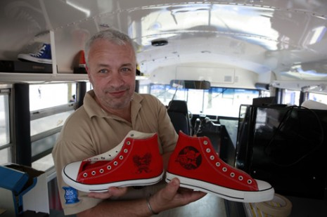Converse Just Add Color in Le Havre, custom tour bus